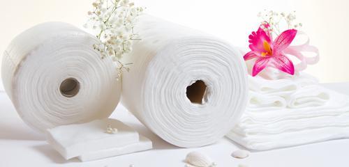 полотенца и простыни в рулонах